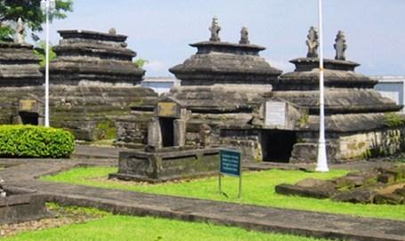 Kompleks makam raja gowa tallo.