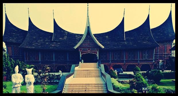 Bentuk rumah gadang
