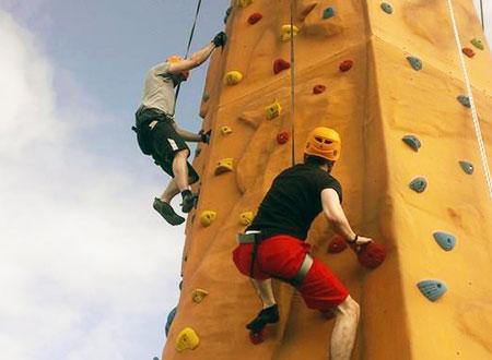 Teknik-Dasar-Wall-Climbing